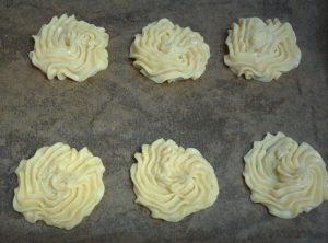 Swirled round or rosette?